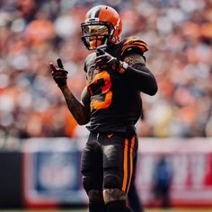 Check out all our Cleveland Browns merchandise! Cool Football Helmets, Nfl Football Players, Buckeyes Football, Football Art, Odel Beckham, Odell Beckham Jr Wallpapers, Cleveland Browns History, Browns Fans, American Football
