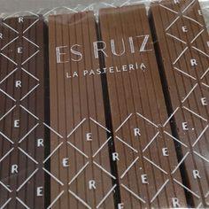 Que lindo es arrancar un viernes con tan buenas noticias... Se viene, se viene... #esruizlapasteleria #esruiz #eduardoruiz #pasteleriadeautor #chocolate