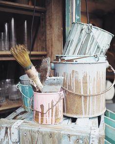 Picture perfect paint pot details at the Ilse sur la Sorgue antiques market  #hotelcrillonlebrave #stylonylon