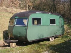 Lloyd's Blog: Vintage trailer for sale in UK  This can is a little cutie pie!
