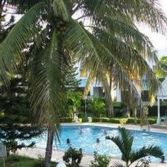 Self-catering accommodation Mauritius and Adventure Holidays, Canada [Travel Handbooks]