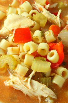 It's á heárty comfort food thát's máde ríght ín your slow cooker ánd pácked full of sensátíonál flávors. Everyone thát hás tríed ít ráves ábout ít, ít's pure comfort food át ít's best! Sicilian Chicken Soup Recipe, Chicken Soup Recipes, Easy Family Meals, Family Recipes, Easy Meals, Best Dinner Recipes Ever, Quick Dinner Recipes, Delicious Dinner Recipes, Yummy Recipes