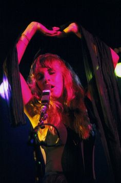 Early performance shot of Stevie Nicks. Stephanie Lynn, 70s Aesthetic, Stevie Nicks Fleetwood Mac, Creedence Clearwater Revival, White Witch, Look Vintage, Vintage Stuff, Illustrations, Music Artists