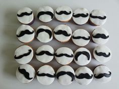 Mustache cupcakes Mustache Cupcakes, Mustache Party, 1st Birthday Parties, 3rd Birthday, Fiesta Party, Birthday Celebrations, Cupcake Cakes, Diy And Crafts, Sweet Treats