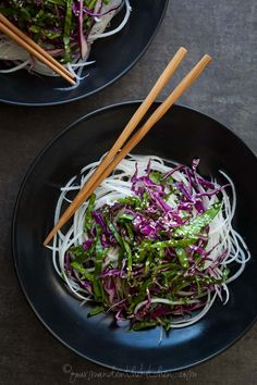 Daikon Noodles with Red Cabbage, Spinach Slaw and Sesame Mustard Dressing – Fresh, crisp and tangy, these daikon noodles with red cabbage and spinach slaw are irresistibly crunchy. Raw Food Recipes, Asian Recipes, Vegetarian Recipes, Cooking Recipes, Healthy Recipes, Ethnic Recipes, Veggie Noodles, Spiralizer Recipes, Mustard Dressing