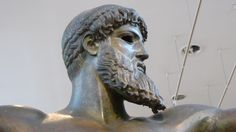 Fotografía: Rebeca Pizarro - Museo Arqueológico- Estatua de Poseidón (del Cabo Sounio) - Atenas Lion Sculpture, Athens, Statues, Museums