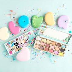 """Too Faced Clover palette, Fall 2017 TRENDMOOD (@trendmood1) on Instagram: """"The INSIDE!!!! Y-U-M-M-Y !!!!!  What a FUN PALETTE!!! So Freaking #CUTE ! @toofaced …"""""""