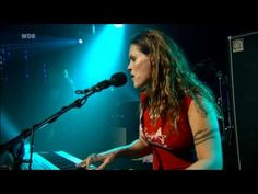 "▶ Beth Hart - ""Leave The Light On"" (live 2006) - YouTube"