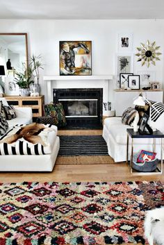 Apartment Living Room Ideas With Bohemian Decor 09 Living Room Decor, Living Spaces, Black And White Living Room, Black White, Style Deco, Boho Room, Living Room Inspiration, Cheap Home Decor, Apartment Living