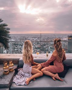 Check out the views from Sky Bar, Lebua Tower in Bangkok, Thailand Thailand Travel, Bangkok Thailand, Sky Bar Bangkok, Laos Travel, Bangkok Travel, Beach Travel, Photo Instagram, Disney Instagram, Best Instagram Photos