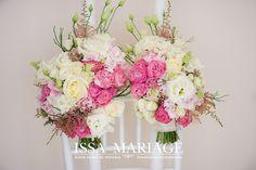 Glass Vase, Floral Wreath, Wreaths, Home Decor, Decoration Home, Room Decor, Bouquet, Flower Band, Interior Decorating