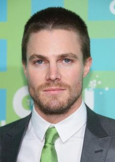 It's true and been confirmed! Stephen Amell meets for #50shadesofgrey role!