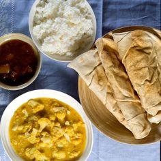 Ukemeny for uke 36 Nigella, Hummus, Thai Red Curry, Risotto, Chili, Ethnic Recipes, Food, Chili Powder, Chilis