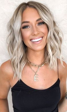 Beauté Blonde, Blonde Hair Looks, Platinum Blonde Hair, Best Blonde Hair, Highlighted Blonde Hair, Blonde Hair For Brunettes, Short Blonde Bobs, Silver Blonde Hair, Light Blonde Hair