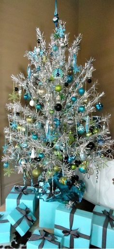 Blue & silver tinsel tree - I esp like the Tiffany blue presents!