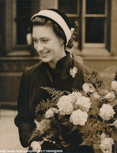 https://flic.kr/p/iMMQ9U | Princess Margaret at Bedford | DATE:June 14 1952 D:Princess Margaret visit Bedford for the 400th anniversary celebrations /original photo