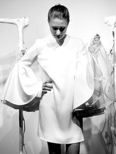 flounces white dress, spring style - medblick