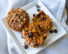 Sweet Potato Oatmeal Muffins are not only healthy and super-nutritious, they make the perfect after-school pick me up, nursing fuel, or a simple snack! Oven Recipes, Muffin Recipes, Protein Rich Snacks, Oatmeal Muffins, Gluten Free Muffins, Crumble Topping, Mashed Sweet Potatoes, Canned Pumpkin, Vegetarian Chocolate