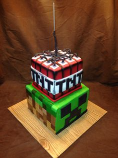 Minecraft Cupcake Cookies, Cupcakes, Pastry Art, Custom Cakes, Young Man, Minecraft, Groom, Desserts, Crafts