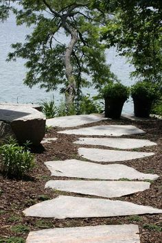 Amazing landscaping ideas for simple garden Lakeside Living, Lakeside Cottage, Lake Cottage, Cottage Style, Outdoor Living, House Landscape, Beach Landscape, Landscape Design, Garden Design