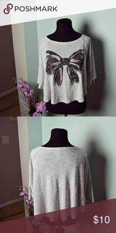 Adorable Big Bow Print Grey Top In excellent condition. Super cute & comfortable! Tops Blouses