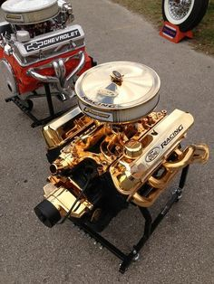 That chevy motor is mean mugging that ford one. Slot Car Racing, Drag Racing, Bmx Racing, Racing Helmets, Racing Seats, Nascar Racing, Tesla Motors, Chevy C10, Ford Trucks