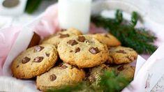 Ihanat piparkakun makuiset cookie-keksit – jouluiset suklaaherkut syntyvät todella helposti - Ajankohtaista - Ilta-Sanomat Baked Potato, Tart, Muffin, Candy, Cookies, Baking, Breakfast, Ethnic Recipes, Sweet