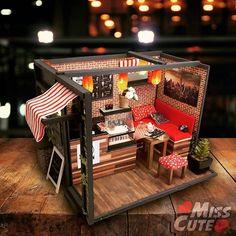 Moon cafe 🌙 ❤ #miniature #coffee #coffeshop #coffeemode #instacoffee #diorama #dioramas #roombox  #room #cafe #handmade #barbie #monsterhighcustom #16scale #monsterhigh #miniaturowa #kawiarnia #dlalalek #dollhouse #dollroom #rekodzielo #modelarstwo #barbiediorama #dolldiorama