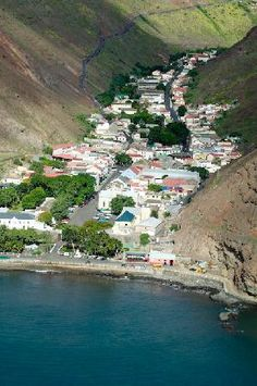 Jamestown i St Helena. Now a British Overseas Territory in the South Atlantic Ocean. It measures 16 by 5 mls and has a population of 4,255