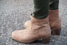 Camel Shabbies Ankle Boots http://www.omoda.nl/dames/laarzen/enkellaarsjes/shabbies/camel-shabbies-enkellaarsjes-207040-45581.html