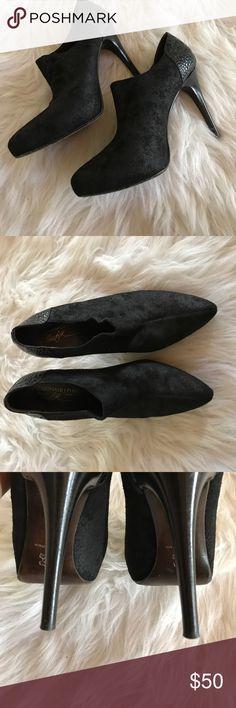 "Donald Pliner Authentic black suede Donald Pliner ankle booties. Women's 8. Excellent condition. 4"" heels. Donald J. Pliner Shoes Heeled Boots"