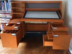 Table-d-039-animation-studios-Disney-Collection-Walt-Disney-Studios-Animation-desk