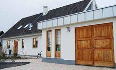 "skånelänga fasad - Google Search ""Från mexitegel till Skånelänga"" Home Remodeling, Teak, Facade, Garage Doors, Outdoor Decor, House, Inspiration, Home Decor, Google"
