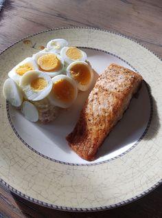 YUM, Deze huzaren salade is toch om je vingers bij af te likken.😍 #koolhydraatarmerecepten #koolhydraatarm #nocarbs #keto #ketodinner #ketosalad #salade #avocado#redoven #koolhydraatarm #koolhydraatbeperkt #koolhydraatarmdieet #caloriecountingdiet #caloriecountingjourney #myfitnessapp #afvallen #afslanken #afvallenzonderdieet #dutchfitness #eiwitrijk #ketodieet #geendieet #zondersuiker #sportvoeding #krachtvoer #krachttraining #weetwatjeeet Summer Recipes, French Toast, Low Carb, Keto, Lunch, Fresh, Baking, Breakfast, Tours