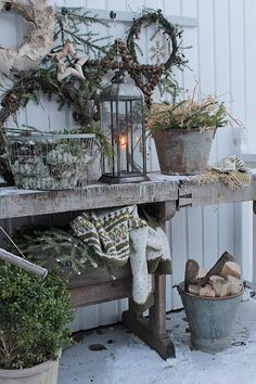 Country Christmas, Outdoor Christmas, Winter Christmas, Christmas Home, Decoration Photo, Decoration Entree, Christmas Mosaics, Vibeke Design, Deco Nature
