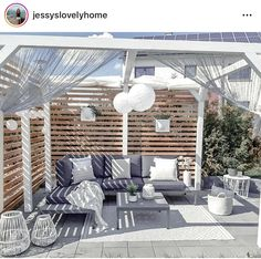 Perfect for a romantic evening for two. Chill Lounge, Sofa Lounge, Back Gardens, Outdoor Gardens, Antibes, Outdoor Furniture Sets, Outdoor Decor, Outdoor Sofa, Porch Swing