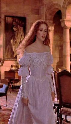 Love the puffed sleeves and subtle stitchery. Bram Stoker's Dracula. Designs by Eiko Ishioka.