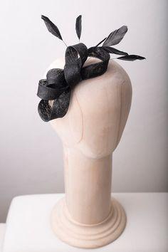 Sinamay plumas de fascinator fascinator negro por BeChicAccessories