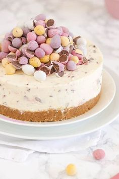 No Bake Mini Egg Cheesecake The Ultimate Easy Easter Recipe! No Bake Mini Egg Cheesecake! Keto Chocolate Cheesecake Recipe In Miniature For Low Carb . Home and Family Cheesecake Recipe Uk, Creme Egg Cheesecake, Easter Cheesecake, Cheesecake Desserts, No Bake Desserts, Health Desserts, Cute Easter Desserts, Easy Easter Recipes, Easter Cake