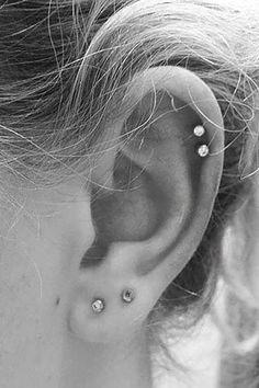 Cute Multiple Double Cartilage Helix Ear Piercing Jewelry Ideas for Women - lindas ideas para perfor Septum, Double Ear Piercings, Cute Ear Piercings, Ear Piercings Cartilage, Barbell Piercing, Double Cartilage, Helix Piercing Jewelry, Helix Earrings, Cartilage Earrings