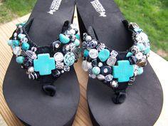 Beaded Flip Flops por lisamcfee en Etsy Cute Flip Flops, Flip Flop Shoes, Bling Sandals, Beaded Sandals, Nail Bags, Shoes Too Big, Shoe Collection, Shoes Heels Boots, Flip Flops