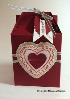 http://stampinpretty.typepad.com/.a/6a00e54f95df92883401a511644065970c-pi tutorials, paper craft, valentin craft, boxes, card, gabl box