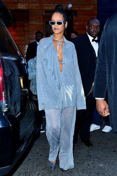 Yes, Rihanna had another outfit. Rihanna Show, Rihanna Riri, Rihanna Style, Rihanna Fashion, Rihanna Sunglasses, Sunnies, Big Fashion, Fashion Outfits, Rihanna Outfits
