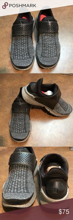 wholesale dealer 4bef7 108ec NWT Men s Nike Sock Dart SE Premium Running Shoe NWT Men s Nike Sock Dart  SE Premium