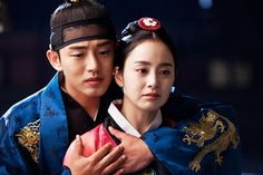 Jang Ok Jung, Live in Love I abruptly stopped watching at the to the last episode. It got a little dramatic & I needed to take a break. Haven't finished it since, but good Sageuk overall. Jang Ok Jung, Jung In, Korean Dress, Korean Outfits, Best Historical Dramas, Recommended Korean Drama, Catherine Of Aragon, Kim Tae Hee, Yoo Ah In