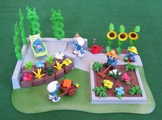 Smurfs At The Smurf Community - Blue Cavern