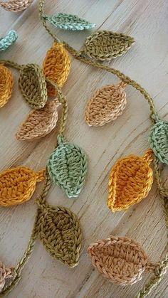 Crochet Leaf Patterns, Crochet Leaves, Crochet Fall, Crochet Home, Cute Crochet, Crochet Motif, Crochet Designs, Crochet Crafts, Yarn Crafts