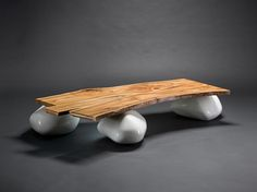 Coffee table on stones - WoodWorks101.com