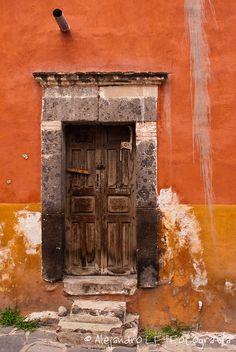 abriendo-puertas:  By Alejandro LF
