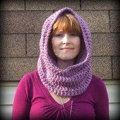 This Convertible Free Crochet Cowl Pattern is great for beginners! The cowl can be worn as a scarf or a hood, and can be made with any bulky yarn. This easy crochet cowl pattern is an easy and quick gift for anyone you love! Crochet Hooded Cowl, Crochet Cowl Free Pattern, Crochet Gratis, Hooded Scarf, Knitting Patterns Free, Free Crochet, Knit Crochet, Crochet Patterns, Easy Crochet